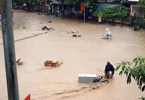 Ba người chết, sạt lở đất nghiêm trọng ở các tỉnh phía Bắc  - ảnh 1