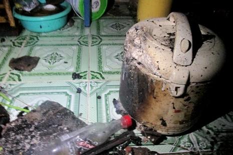 Lửa lớn cháy lan, 8 nhà trọ ở quận Bình Thạnh bị thiêu rụi - ảnh 5