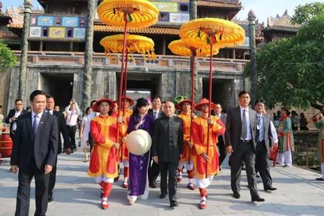 Chủ tịch nước hội kiến thân mật quốc vương Campuchia - ảnh 2
