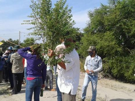 Xử vụ thảm sát Bình Phước: Kẻ gian lợi dụng móc bóp, giật dây chuyền  - ảnh 4