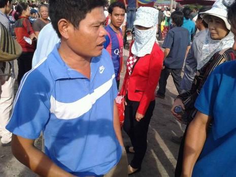 Xử vụ thảm sát Bình Phước: Kẻ gian lợi dụng móc bóp, giật dây chuyền  - ảnh 1