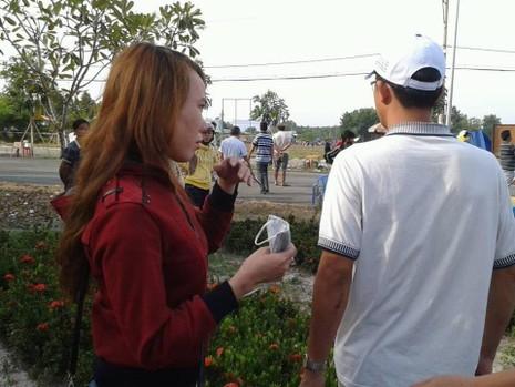 Xử vụ thảm sát Bình Phước: Kẻ gian lợi dụng móc bóp, giật dây chuyền  - ảnh 2