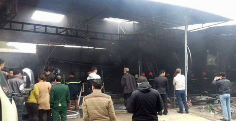 Cháy lớn tại gara ô tô ở Hà Nội - ảnh 2