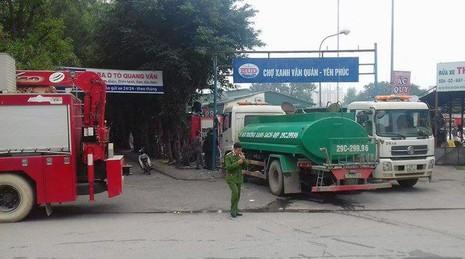 Cháy lớn tại gara ô tô ở Hà Nội - ảnh 5