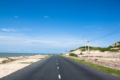 Bộ ảnh đường biển đẹp nhất Việt Nam  - ảnh 1