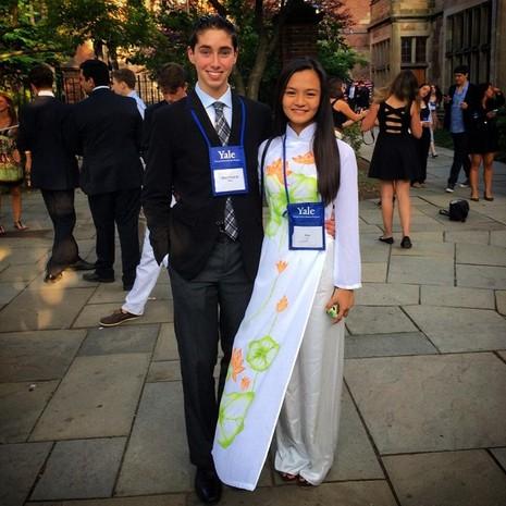 An cùng bạn tại ĐH Yale, chương trình Yale Young Global Scholars tháng 7/2015.