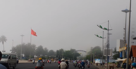 Sương mù bao phủ trời Nha Trang lạ hay bình thường? - ảnh 2