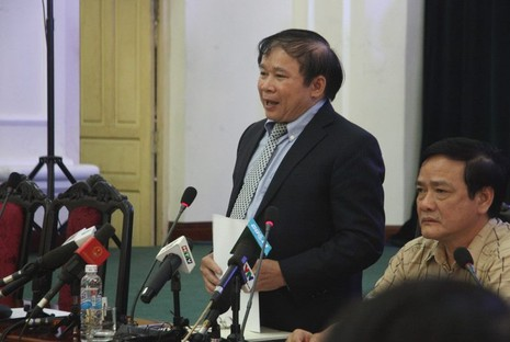 Bộ GD&ĐT họp báo: Chậm nhất 20-7 phải chấm thi xong  - ảnh 1
