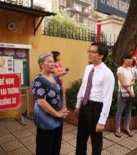 Phó Thủ tướng Vũ Đức Đam bất ngờ dự khai giảng trường Việt Nam - Cuba - ảnh 2