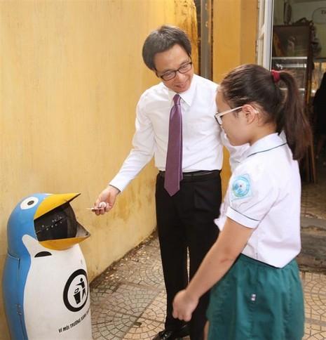 Phó Thủ tướng Vũ Đức Đam bất ngờ dự khai giảng trường Việt Nam - Cuba - ảnh 3