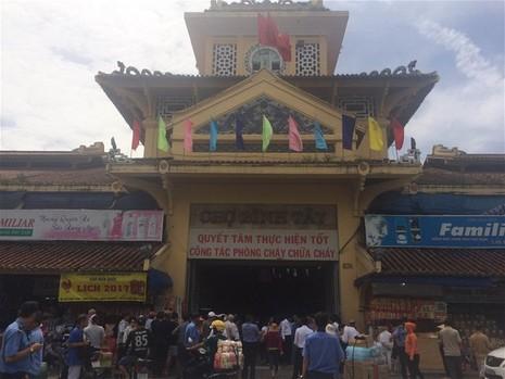 Từ ngày 15-11: Đóng cửa chợ Bình Tây một năm - ảnh 1