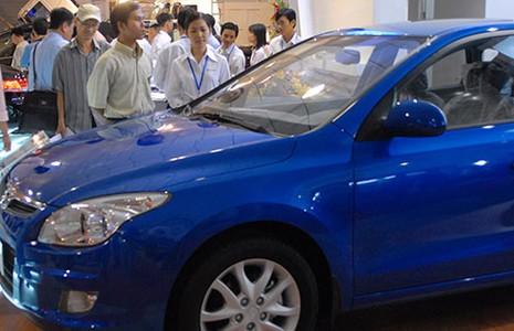 Ngành sản xuất ô tô trong nước lâm nguy - ảnh 1