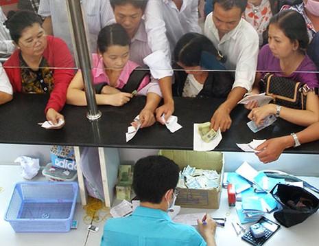 Tăng giá dịch vụ y tế: Người bệnh được lợi? - ảnh 1