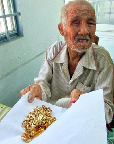 Cướp vàng của lão ăn xin, bị 43 năm tù - ảnh 2
