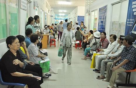 Bệnh viện tuyến dưới lên tiếng - ảnh 1