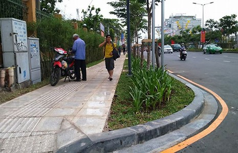 Cửa ngõ sân bay Tân Sơn Nhất khang trang hơn - ảnh 1