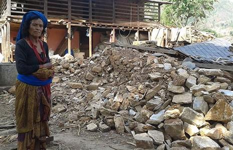 Nepal chia rẽ, cứu trợ trì trệ - ảnh 1