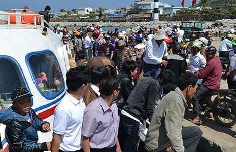 Hơn 8.000 du khách ra đảo Lý Sơn dịp lễ 30-4, 1-5 - ảnh 1
