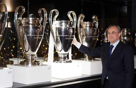 Real Madrid lại chơi xếp hình - ảnh 1