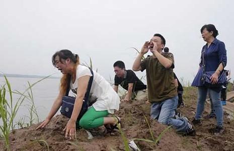 Tổ chức tuần thất bên bờ sông Trường Giang - ảnh 1