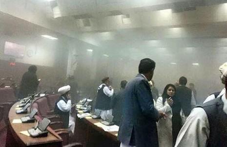 Taliban tấn công tòa nhà Quốc hội  - ảnh 1