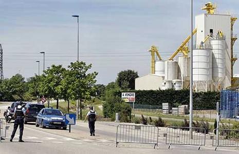 Nhà máy khí đốt ở Pháp bị tấn công khủng bố - ảnh 1