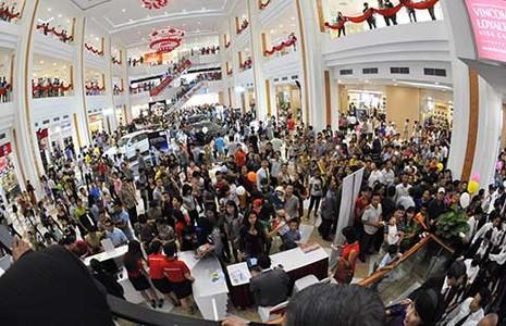 Warburg Pincus đầu tư thêm 100 triệu USD vào Vincom Retail - ảnh 1