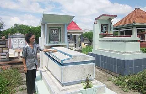 Ngôi mộ cổ khắc khoải chờ tái thẩm  - ảnh 1