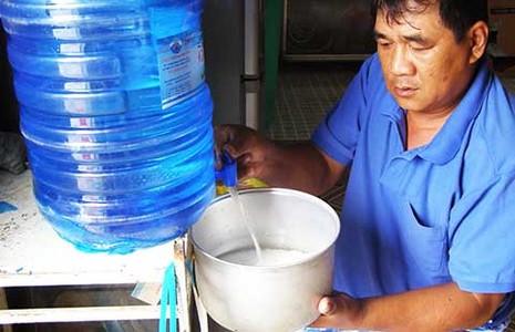 Sống với nguồn nước ô nhiễm, độc hại - ảnh 2