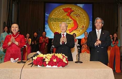 Tổng Bí thư mong cộng đồng người Việt phát huy tinh thần hòa hợp - ảnh 1