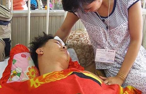 Tài xế xe cấp cứu: Nghề đối mặt tử thần - ảnh 1