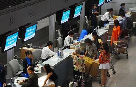 Vì sao Singapore từ chối phụ nữ Việt nhập cảnh? - ảnh 1