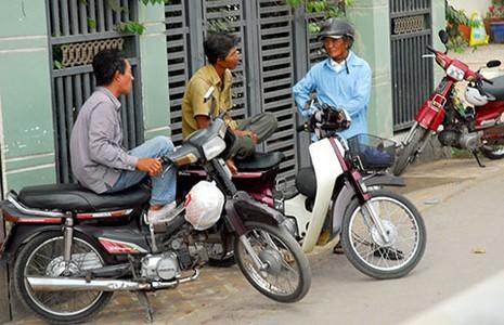 Bỏ thu phí xe máy là hợp lòng dân! - ảnh 1