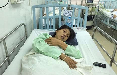 Mẹ bé trai 11 ngày tuổi bị đâm kể lại đêm kinh hoàng - ảnh 1