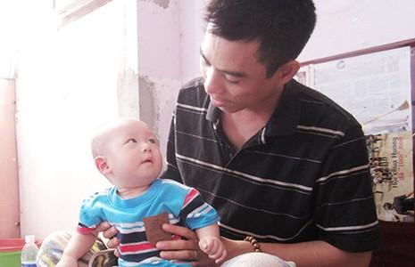 Người cha bệnh tim nuôi con bị ung thư - ảnh 2