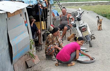 Xóm 'thắp nến' ở  Sài Gòn - ảnh 1