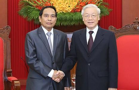 Không ngừng phát triển đoàn kết Việt-Lào - ảnh 1