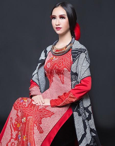 Võ Việt Chung: Đắm say với vải truyền thống - ảnh 1