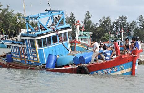 Đà Nẵng, Quảng Ngãi thiệt hại nhiều sau bão  - ảnh 1