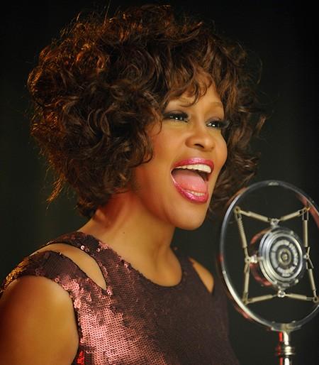 Whitney Houston 'sống lại': Bóng ma hiện hồn từ cõi âm? - ảnh 1