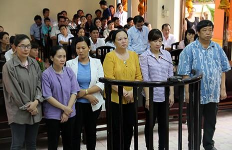 Tham ô tài sản BV huyện Vĩnh Thuận, sáu bị cáo lãnh án - ảnh 1