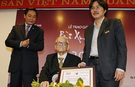 Giang Quân nhận giải thưởng 'Vì tình yêu Hà Nội' - ảnh 1