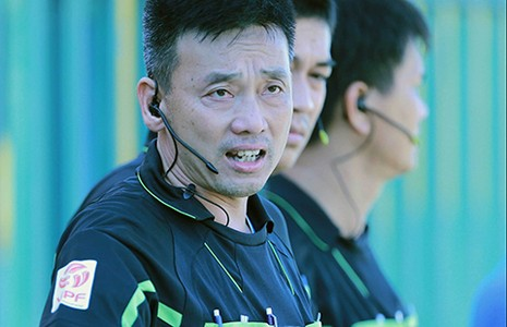 Trọng tài Võ Minh Trí đoạt Còi vàng 2015 - ảnh 1