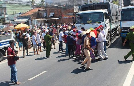 Cam Ranh: Vận động dân vì dự án quốc phòng - ảnh 1