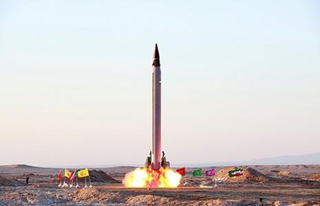 Tên lửa Iran đầu tiên được điều khiển đến khi nổ - ảnh 1