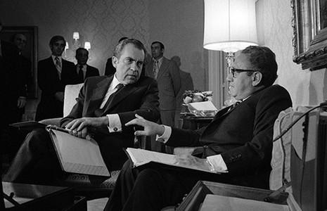 Tổng thống Nixon nói dối về chiến dịch ném bom Việt Nam năm 1972 - ảnh 1
