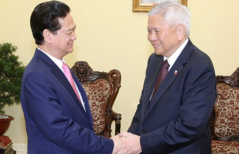 Thủ tướng Nguyễn Tấn Dũng tiếp bộ trưởng Ngoại giao Philippines - ảnh 1