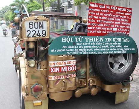 Sắm xe Jeep đi xin quà cho người nghèo - ảnh 2
