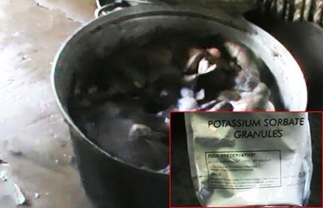 Khô bò làm từ phổi heo và hóa chất - ảnh 1