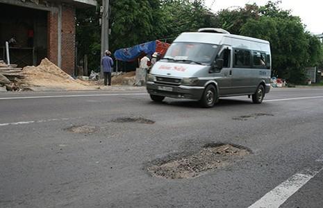 Quốc lộ 1 vừa xong đã hỏng - ảnh 2